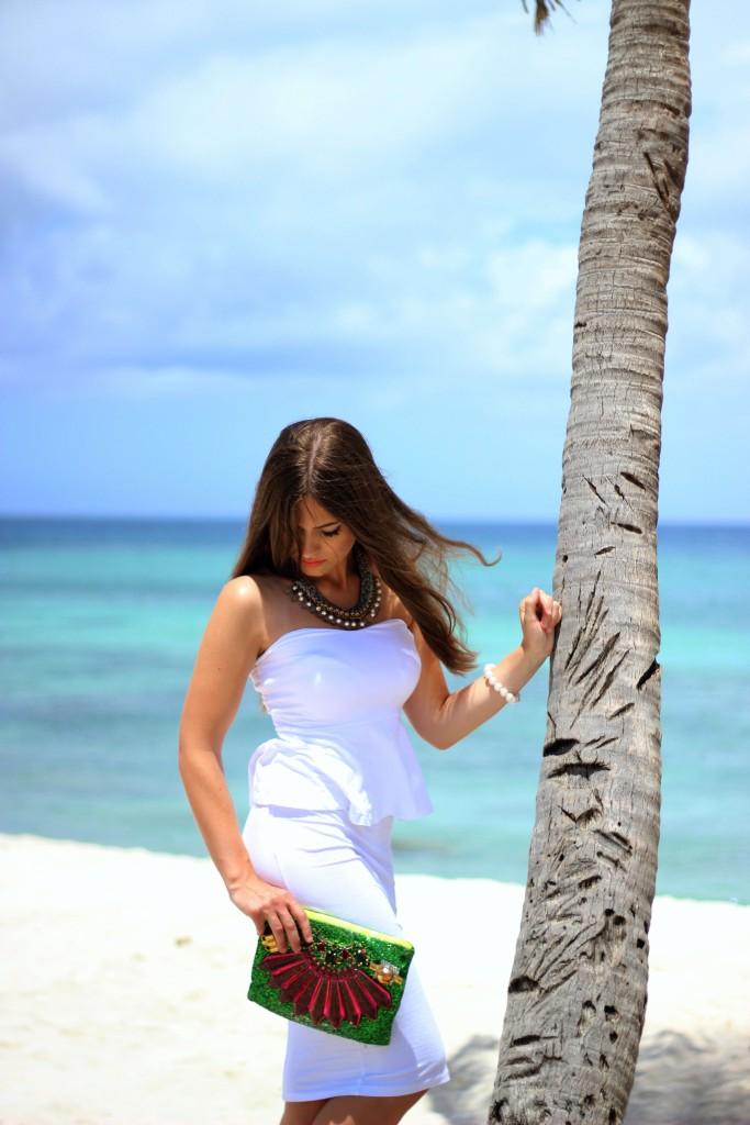 Caribbean Palmtree Outfit Makeup Hair