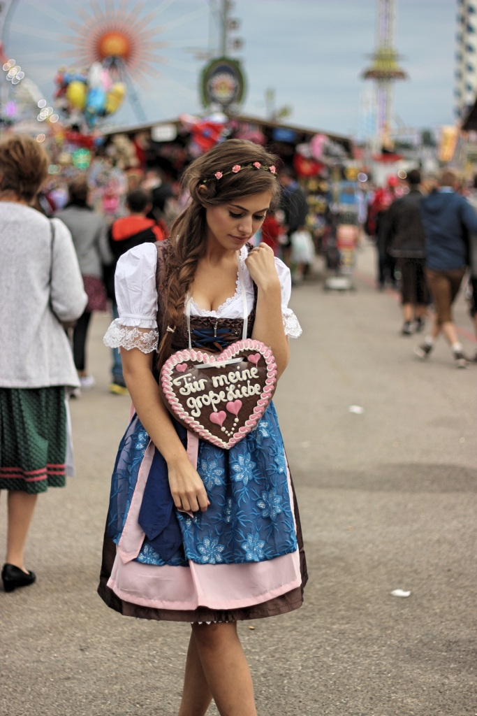 munich-fashion-wiesn-oktoberfest-dirndl