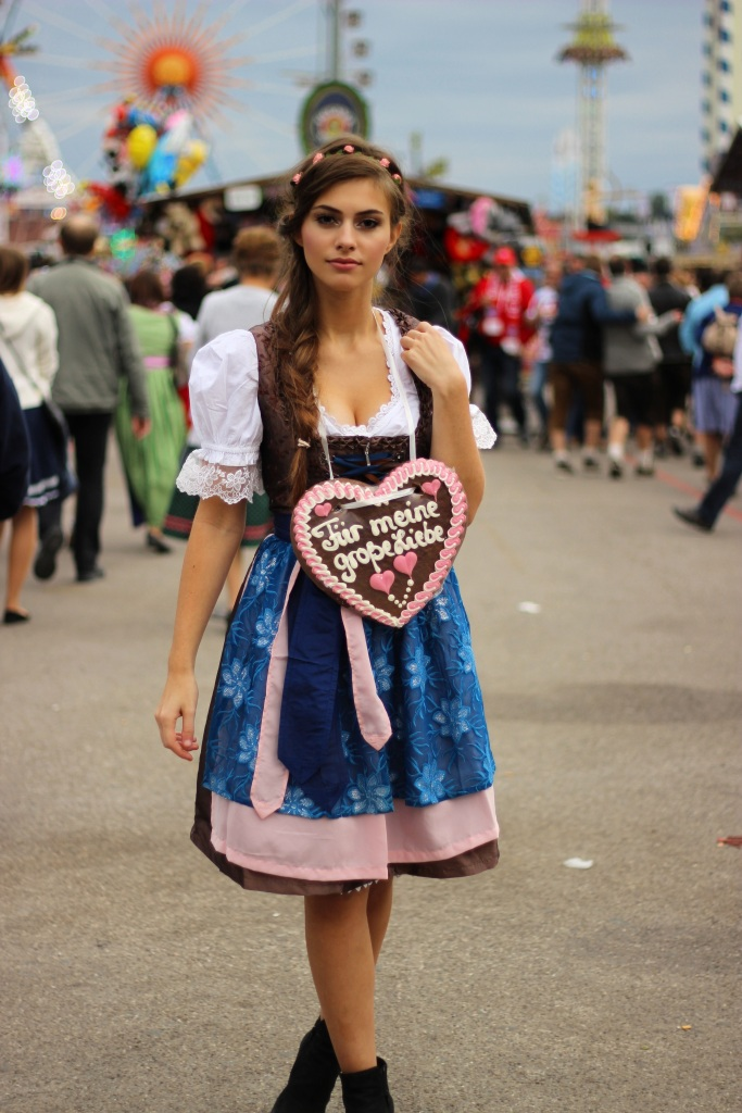 oktoberfest-munich-dirndl-fashion